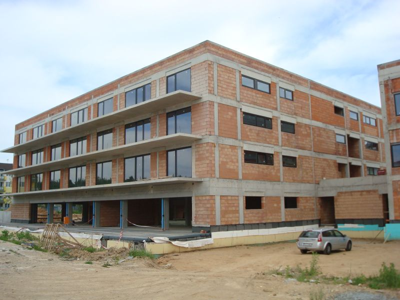 budova B s balkony